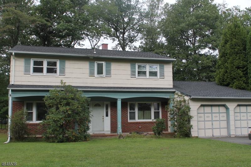 Частный односемейный дом для того Продажа на 32 JAY Street Succasunna, 07876 Соединенные Штаты