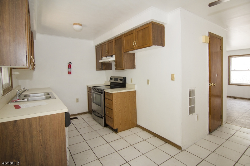 Additional photo for property listing at 80-86 SUMMER Street  Passaic, 新泽西州 07055 美国