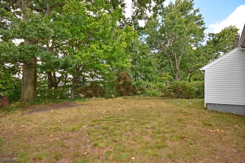 Additional photo for property listing at 29 Fitzgerald Avenue  Clifton, Nueva Jersey 07011 Estados Unidos