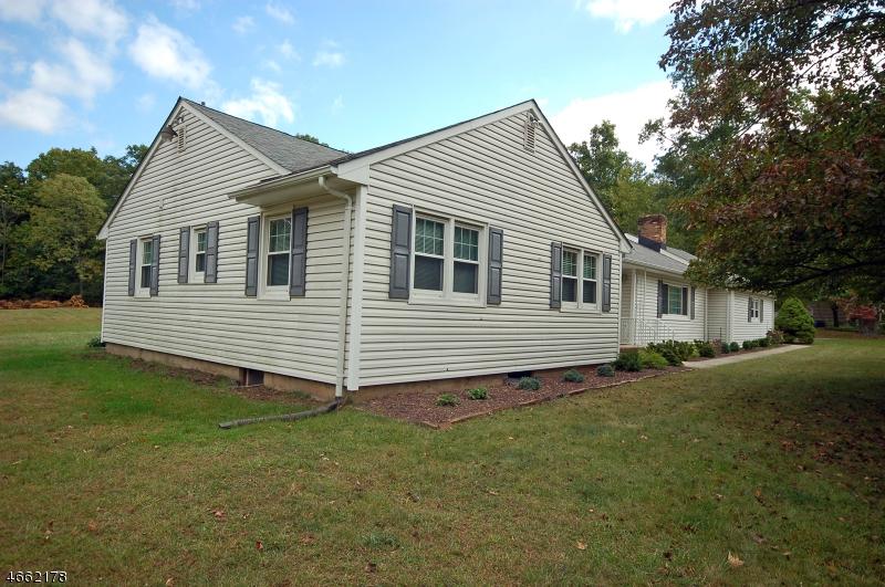 Частный односемейный дом для того Продажа на Address Not Available Martinsville, 08836 Соединенные Штаты