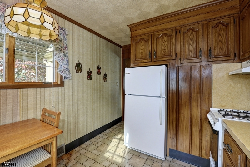 Additional photo for property listing at 835 Hill Street  Phillipsburg, New Jersey 08865 United States