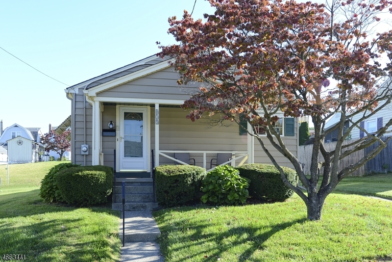 Single Family Home for Sale at 835 Hill Street Phillipsburg, New Jersey 08865 United States