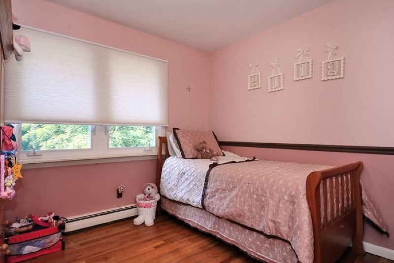 Additional photo for property listing at 187 Lakeside Blvd  Oakland, New Jersey 07436 États-Unis