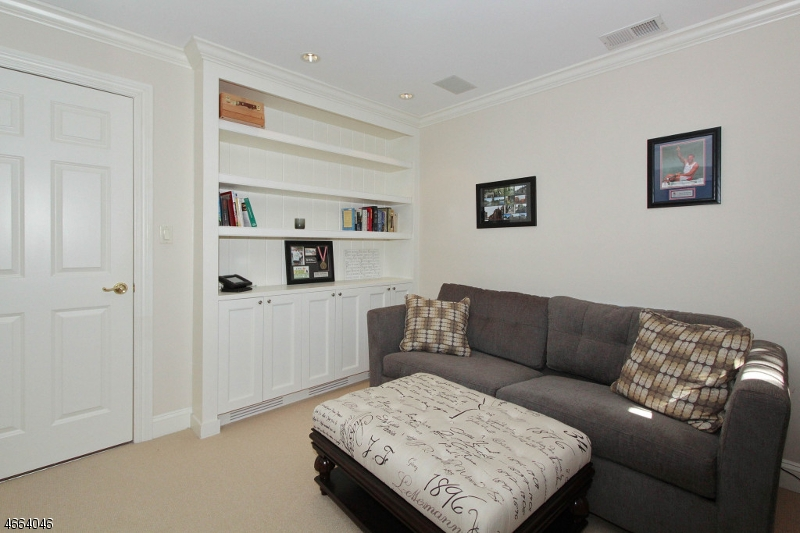Additional photo for property listing at 25 Norwood Ave, No 10  萨米特, 新泽西州 07901 美国