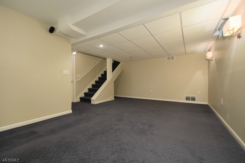 Additional photo for property listing at 842 Kimball Avenue  Westfield, New Jersey 07090 États-Unis