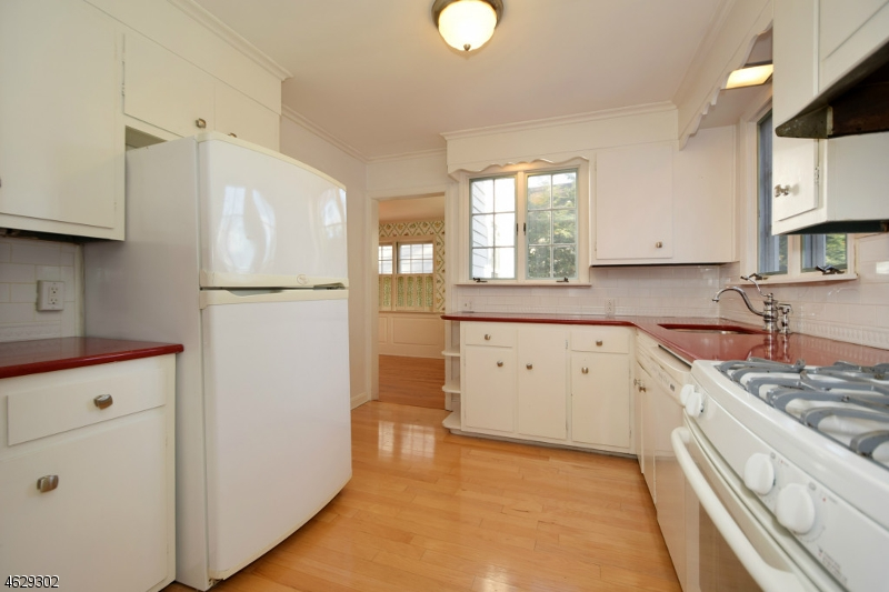 Additional photo for property listing at 842 Kimball Avenue  Westfield, Нью-Джерси 07090 Соединенные Штаты
