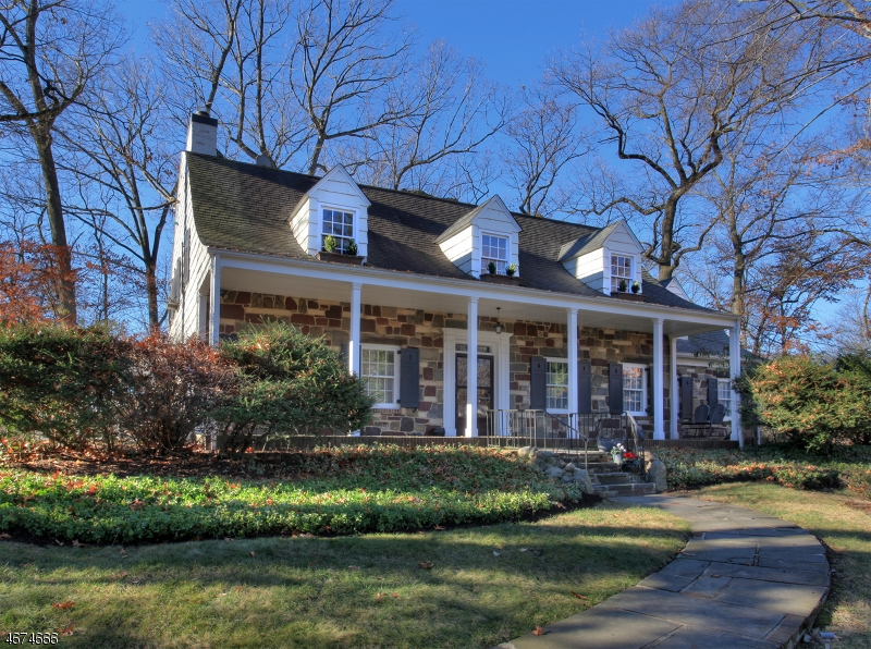 Частный односемейный дом для того Аренда на 900 CHARLOTTE Road Plainfield, 07060 Соединенные Штаты