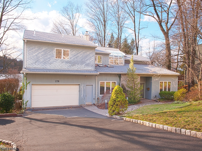 Частный односемейный дом для того Продажа на 278 Pines Lake Dr E Wayne, 07470 Соединенные Штаты