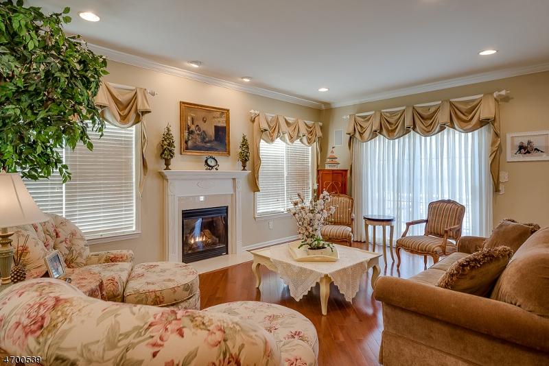 Частный односемейный дом для того Продажа на 231 Ridge Drive Pompton Lakes, 07442 Соединенные Штаты