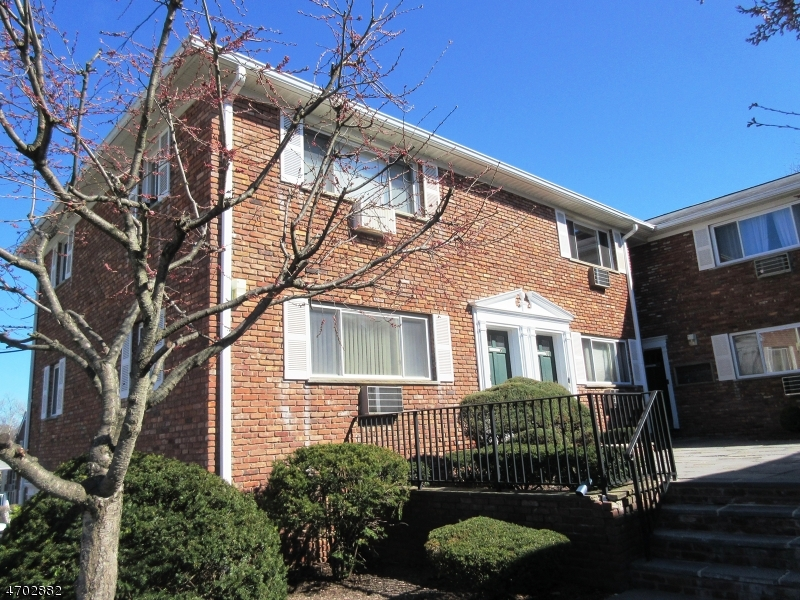 Single Family Home for Rent at 104-1 N BEVERWYCK Road Lake Hiawatha, New Jersey 07034 United States