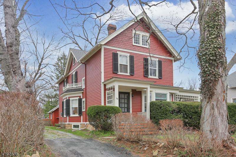 独户住宅 为 销售 在 88 Main Street Califon, 新泽西州 07830 美国