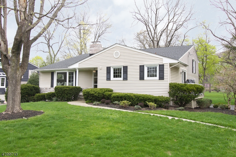Частный односемейный дом для того Аренда на 6 E Normandy Blvd Morristown, Нью-Джерси 07960 Соединенные Штаты