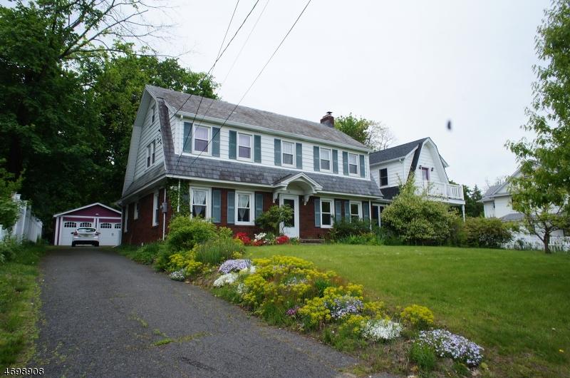 Maison unifamiliale pour l Vente à 46 Harrison Avenue Roseland, New Jersey 07068 États-Unis