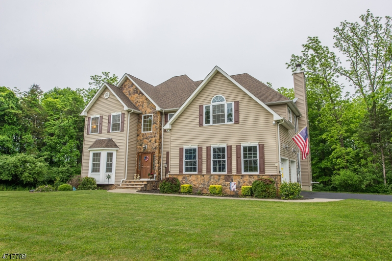 Single Family Home for Sale at 22 Fawn Hollow Drive Newton, 07860 United States