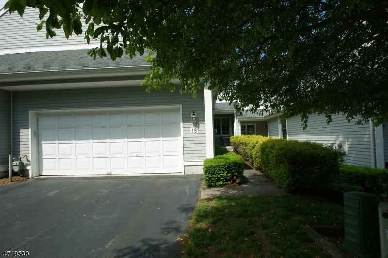 Casa Unifamiliar por un Alquiler en 18 HIXSON Court Montville, Nueva Jersey 07045 Estados Unidos