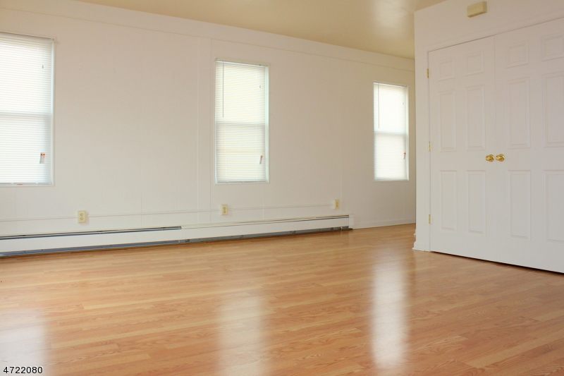 Single Family Home for Rent at 240 Mercer Street- Upstairs Phillipsburg, New Jersey 08865 United States