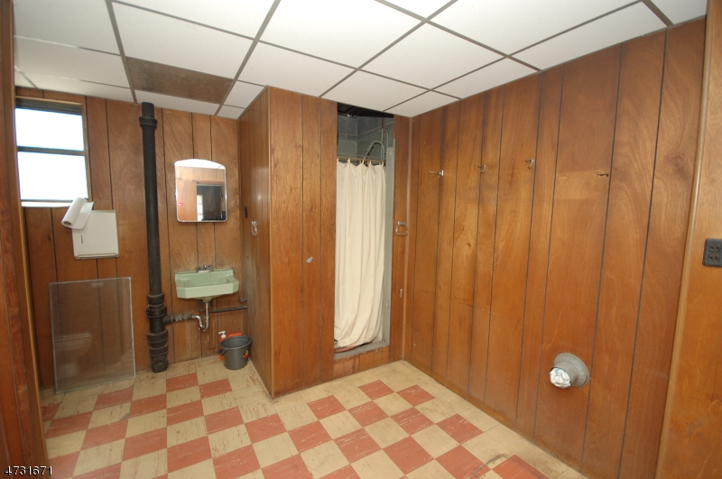 Additional photo for property listing at 54 Fairview Avenue  Somerville, New Jersey 08876 États-Unis