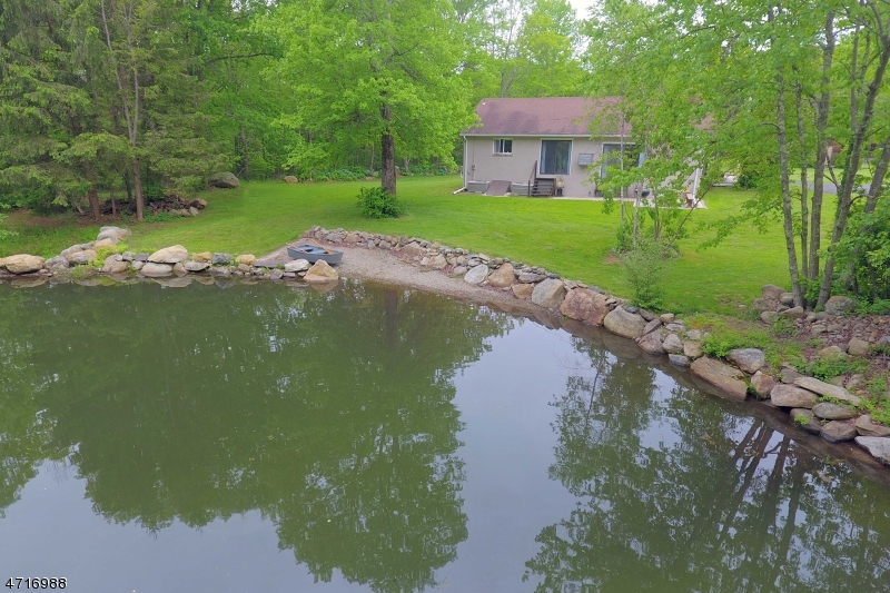 Additional photo for property listing at 255 CANISTEAR Road  West Milford, New Jersey 07460 United States