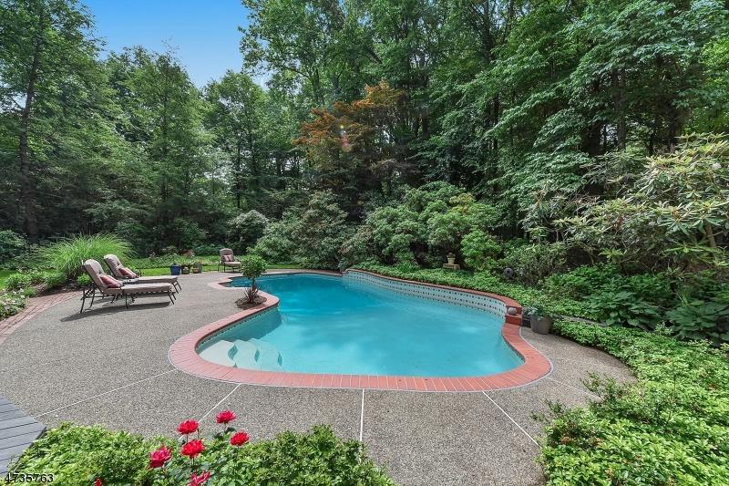 Maison unifamiliale pour l Vente à 160 Wearimus Road Ho Ho Kus, New Jersey 07423 États-Unis