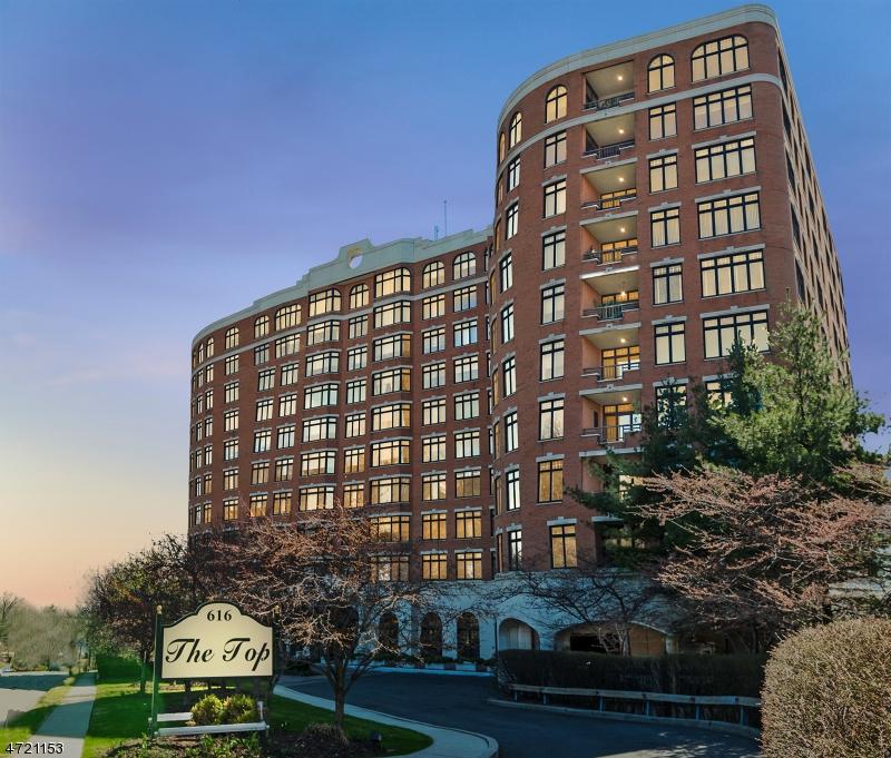 独户住宅 为 销售 在 616 S ORANGE AVE, PH4 Maplewood, 新泽西州 07040 美国