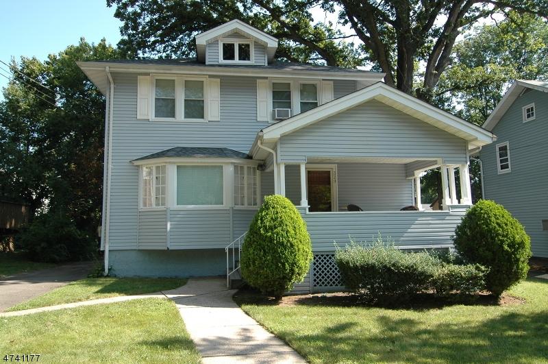 独户住宅 为 销售 在 329 W Englewood Avenue 蒂内克市, 新泽西州 07666 美国