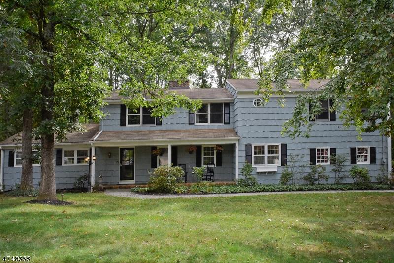 独户住宅 为 销售 在 21 Parker Drive 莫里斯平原, 新泽西州 07950 美国