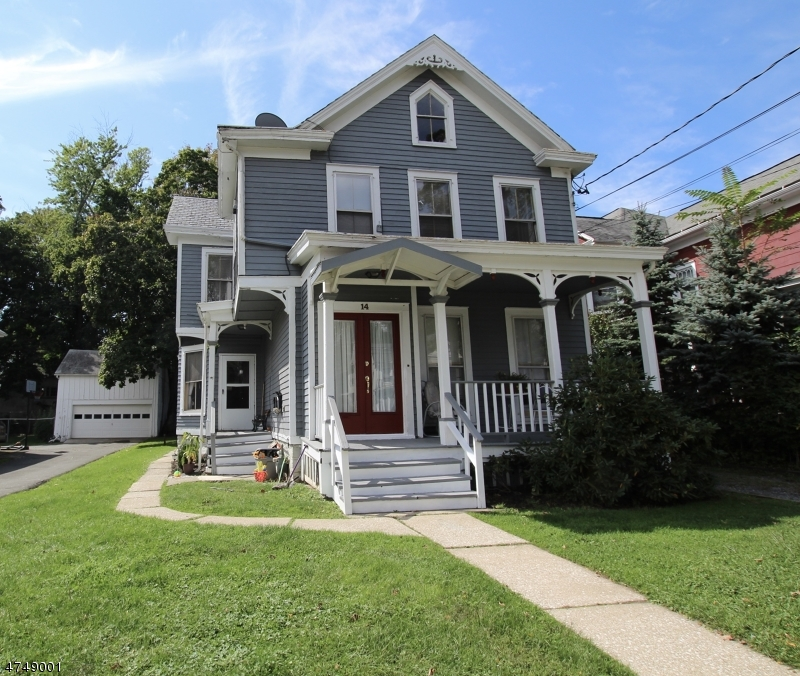 Flerfamiljshus för Försäljning vid 14 Halsted Street Newton, New Jersey 07860 Usa