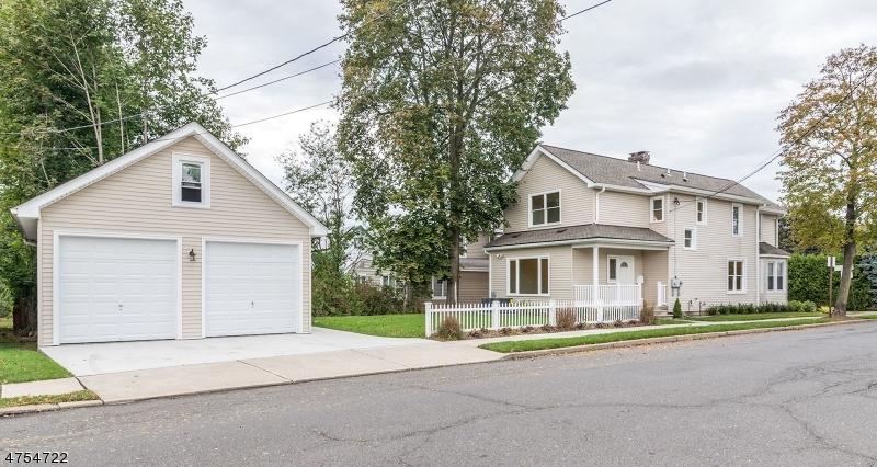 Casa Multifamiliar por un Venta en 2 Lafayette Place Waldwick, Nueva Jersey 07463 Estados Unidos