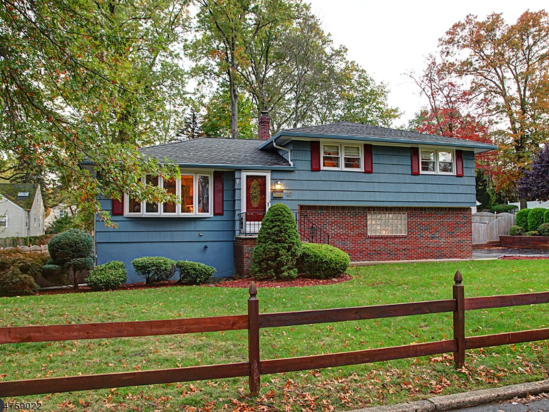 Single Family Home for Sale at 27 Conklin Avenue Hillsdale, New Jersey 07642 United States