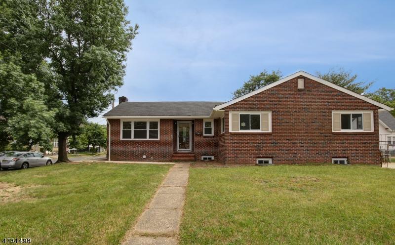 Частный односемейный дом для того Продажа на 473 E Milton Avenue Rahway, Нью-Джерси 07065 Соединенные Штаты