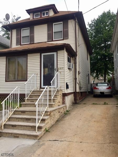 Частный односемейный дом для того Аренда на 221 Elm Court Elizabeth, Нью-Джерси 07208 Соединенные Штаты