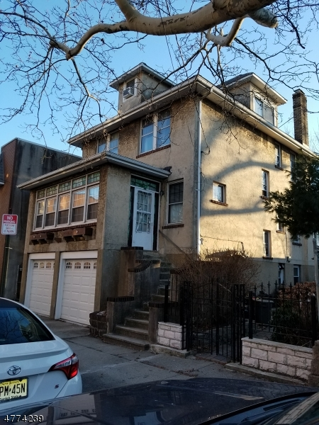 Single Family Home for Sale at 358 Lincoln Avenue 358 Lincoln Avenue Cliffside Park, New Jersey 07010 United States
