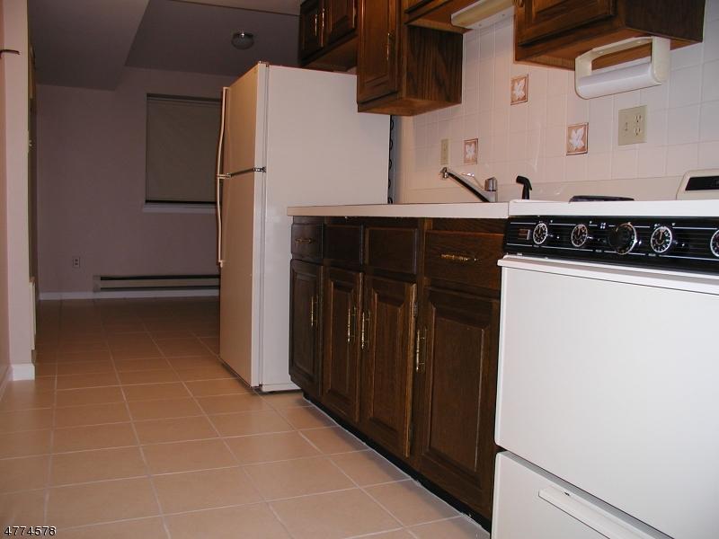 独户住宅 为 出租 在 635 Central Avenue Harrison, 新泽西州 07029 美国
