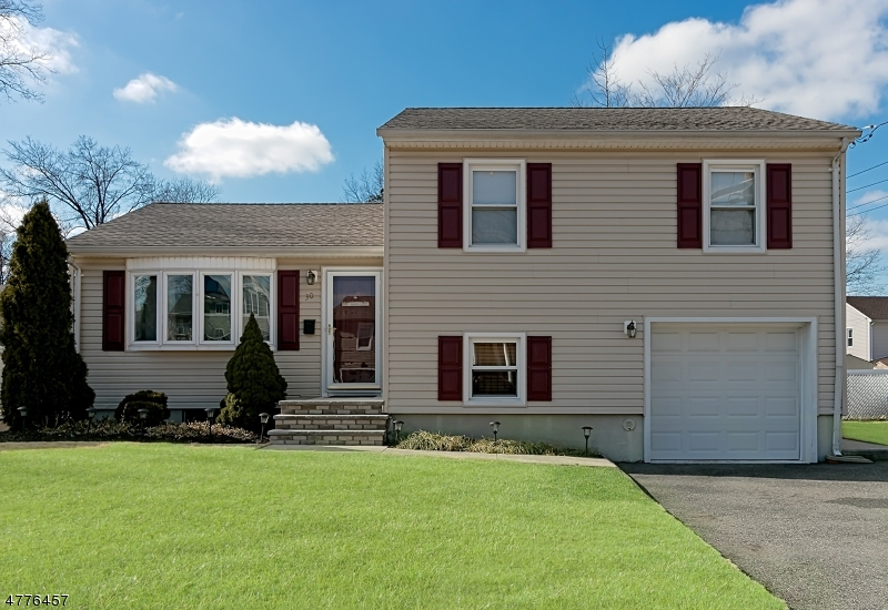 独户住宅 为 销售 在 30 N 6th Street Kenilworth, 新泽西州 07033 美国