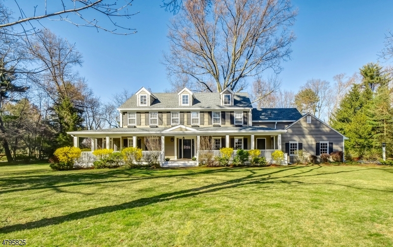 独户住宅 为 销售 在 41 Linden Lane 查塔姆, 新泽西州 07928 美国