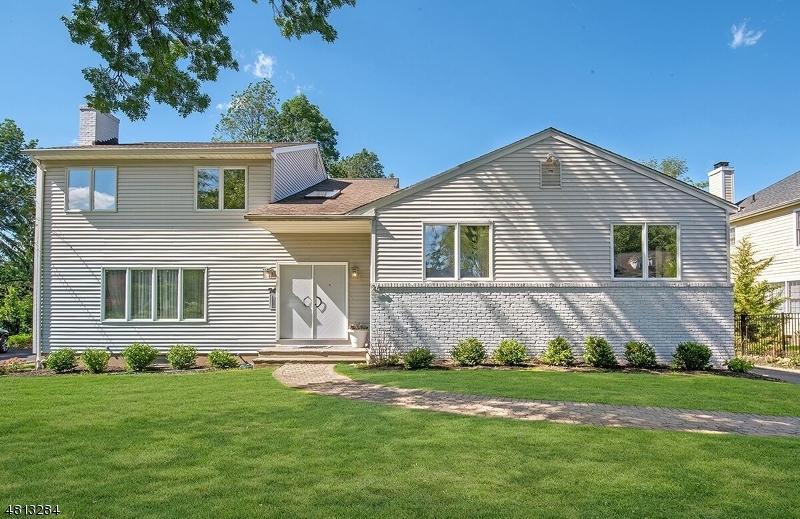 Частный односемейный дом для того Аренда на 74 BROWNING Road Millburn, Нью-Джерси 07078 Соединенные Штаты