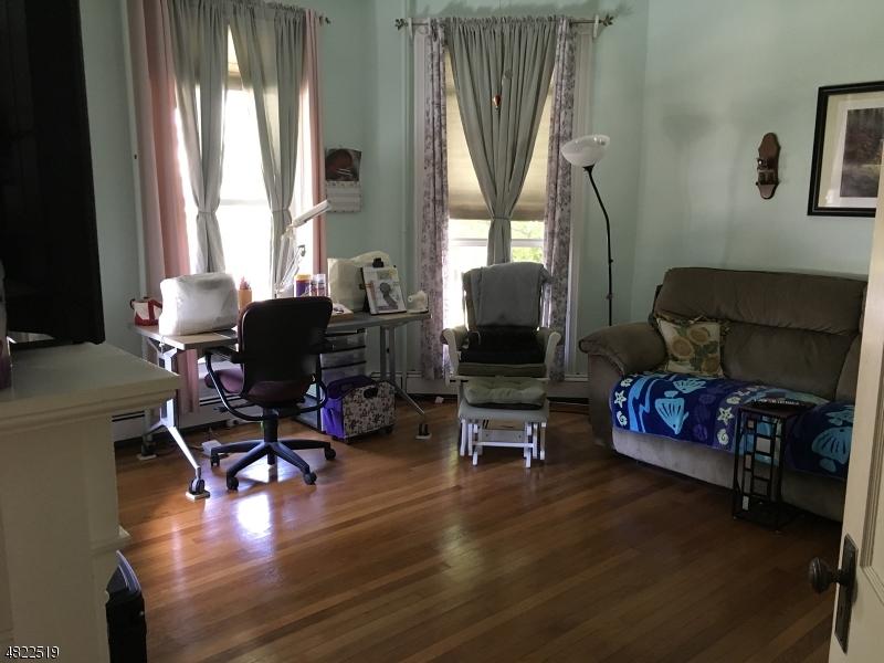 獨棟家庭住宅 為 出租 在 304 E HIGH Street Bound Brook, 新澤西州 08805 美國