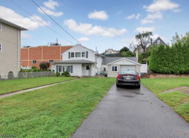 Single Family Home for Sale at 17 StreetRONG Street Wallington, New Jersey 07057 United States