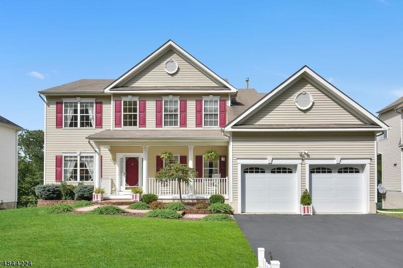独户住宅 为 销售 在 420 ROCK RIDGE ROAD Jefferson Township, 新泽西州 07849 美国