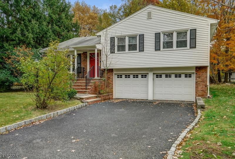 Частный односемейный дом для того Аренда на 600 WHITE OAK RIDGE Road Millburn, Нью-Джерси 07078 Соединенные Штаты