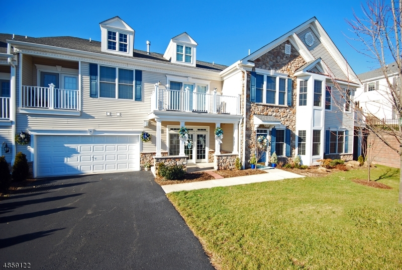 Condominium for Sale at 10 BROWNSTONE RD 10 BROWNSTONE RD Clifton, New Jersey 07013 United States