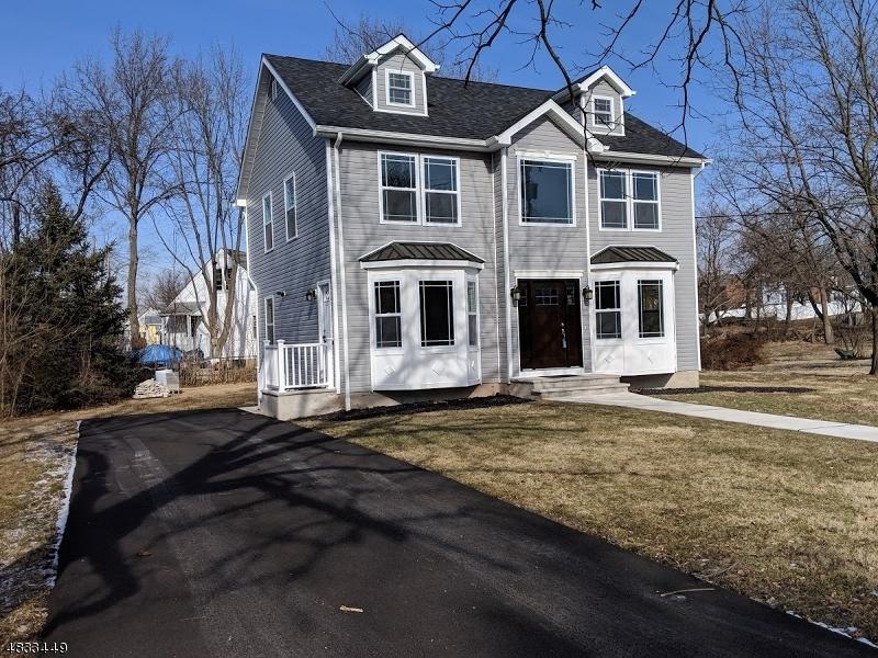Частный односемейный дом для того Продажа на 41 COURT Street Flemington, Нью-Джерси 08822 Соединенные Штаты