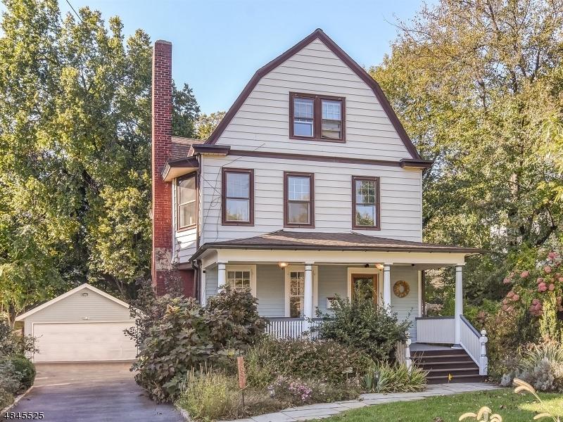 Enfamiljshus för Försäljning vid 68 ESSEX Avenue Glen Ridge, New Jersey 07028 Förenta staterna
