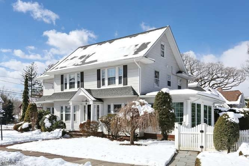Single Family Home for Sale at 52 BERKELEY Place Glen Rock, New Jersey 07452 United States