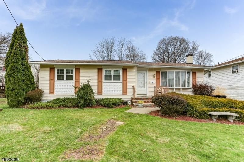 Частный односемейный дом для того Продажа на 3 BARONE Street Netcong, Нью-Джерси 07857 Соединенные Штаты