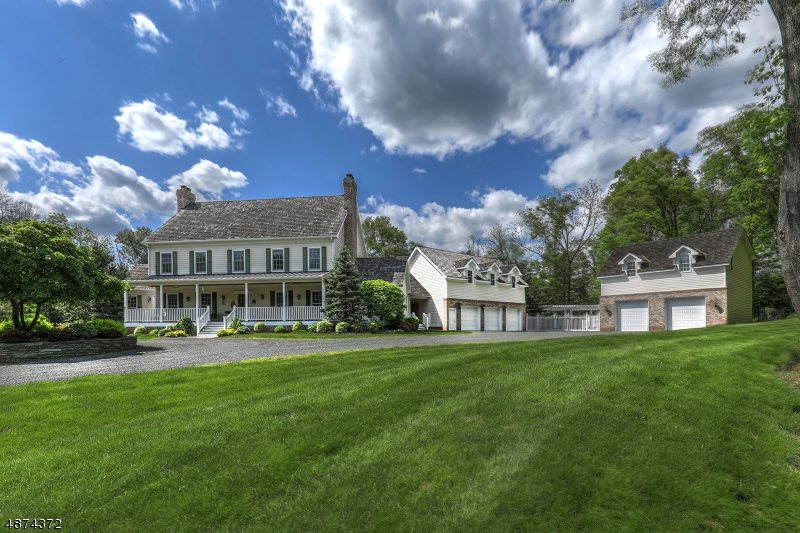 Single Family Homes pour l Vente à Bedminster, New Jersey 07921 États-Unis