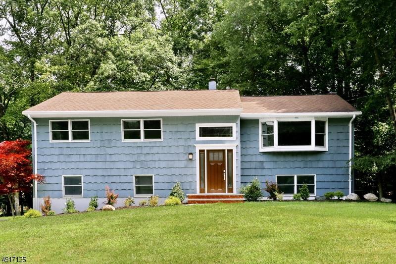 Single Family Homes pour l Vente à Oakland, New Jersey 07436 États-Unis