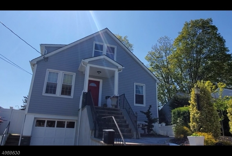 Single Family Homes için Satış at Fair Lawn, New Jersey 07410 Amerika Birleşik Devletleri