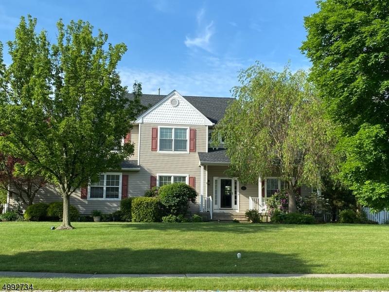 Single Family Homes pour l Vente à Mansfield, New Jersey 07840 États-Unis