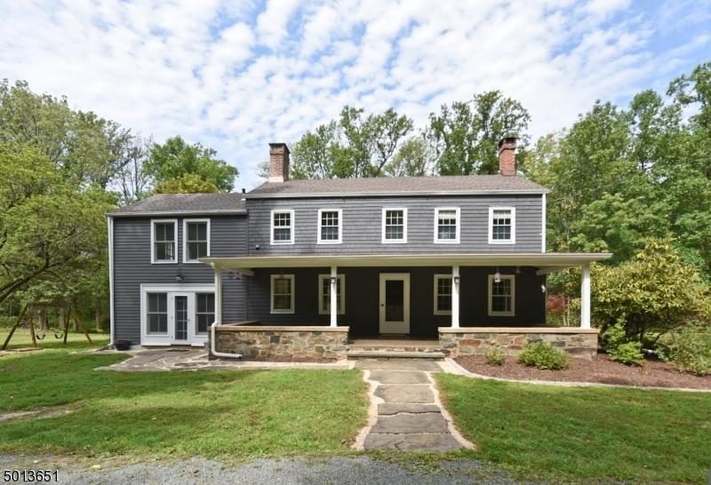 Single Family Homes para Venda às East Amwell, Nova Jersey 08525 Estados Unidos